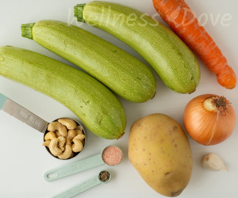 the ingredients for the zucchini soup
