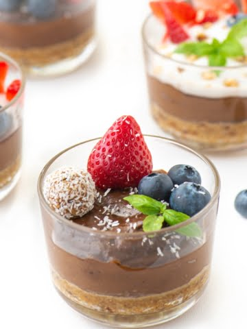 Delicious and healthy at once! This whole food, plant-based vegan recipe will help you stay healthy, lose weight and enjoy life all at once. The sweetness of dates and bananas combines with cashews and avocados perfectly.