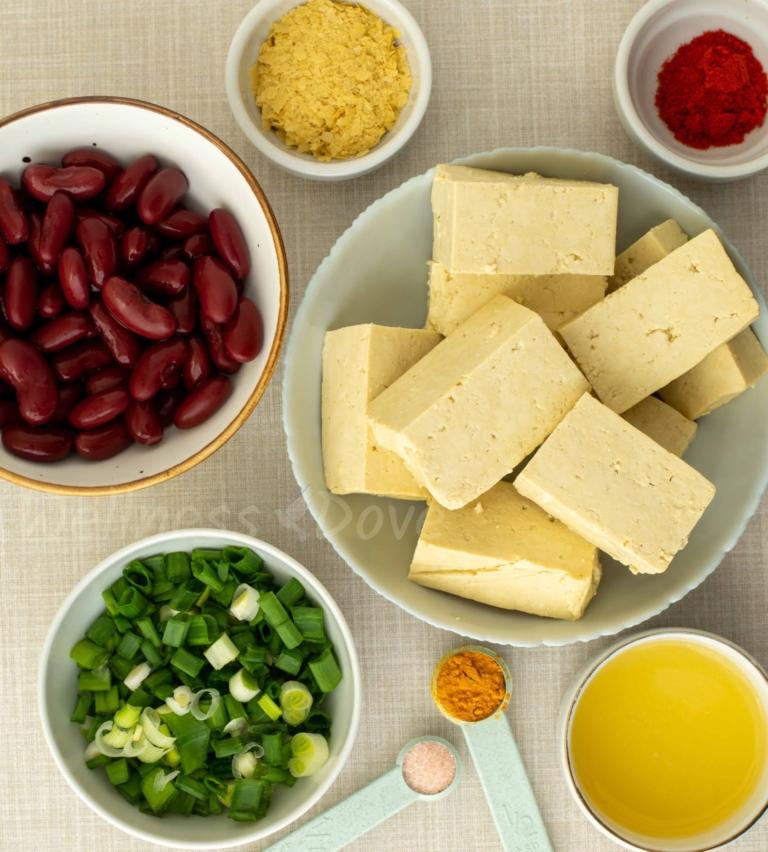 ingredients of the tofu scramble