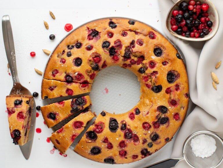 the bundt vegan cake, overhead view