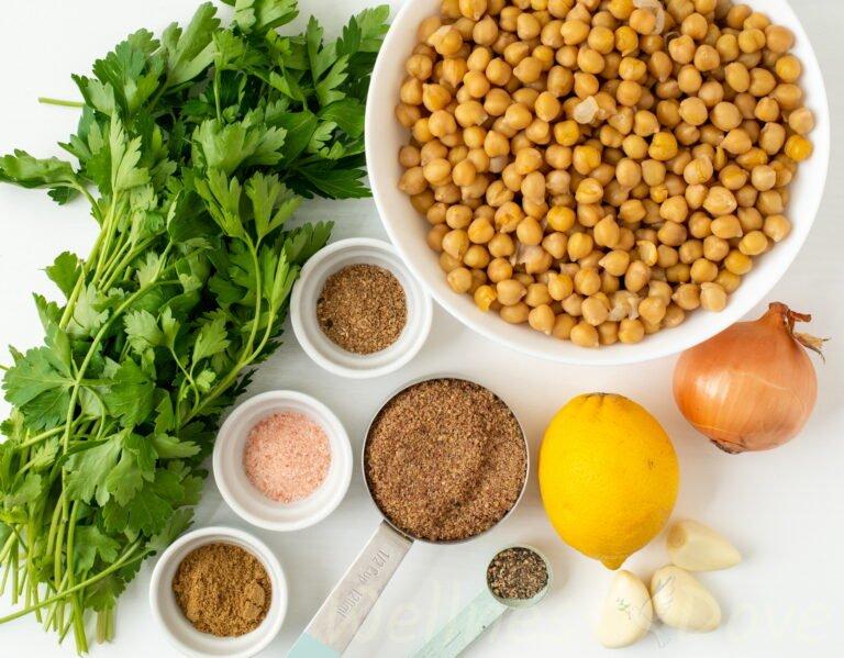 the ingredients for the  vegan falafels